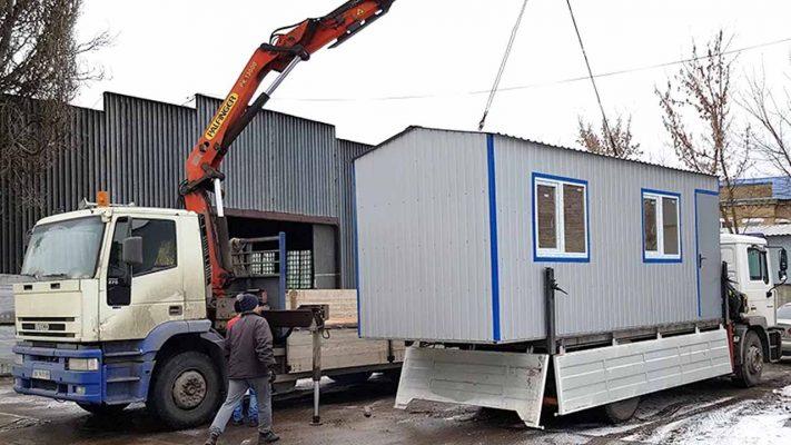 Перевозка бытовок краном-манипулятором в Москве
