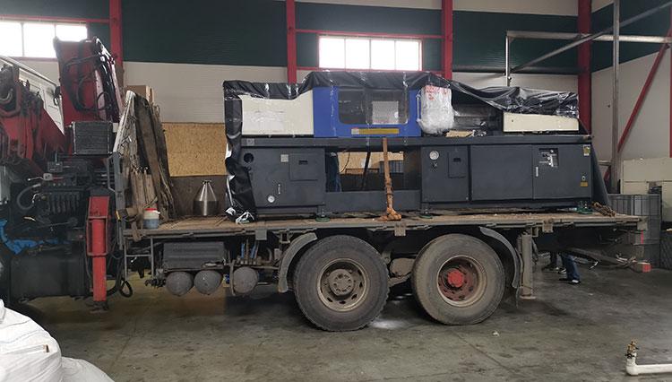 Заказать перевозку оборудования манипулятором в Москве и МО