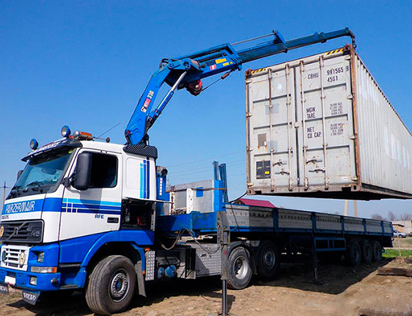 Заказать перевозку контейнеров манипулятором в Москве и МО