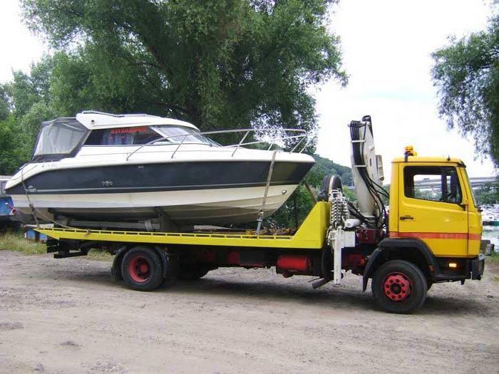 Перевозка лодок и катеров манипулятором в Москве